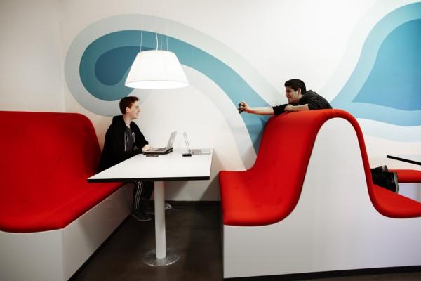 Red lounge_2_Design Rosan Bosch Studio_Photo Kim Wendt