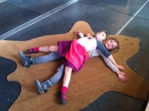 2012 Más allá de la representación: transformando la educación artística en flujos de experimentación contemporáneos
